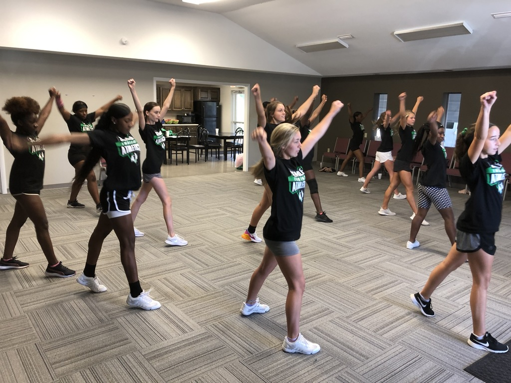 Cheerleaders getting after it at practice today!